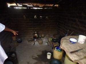 Köök (nurgas haudub kana mune)